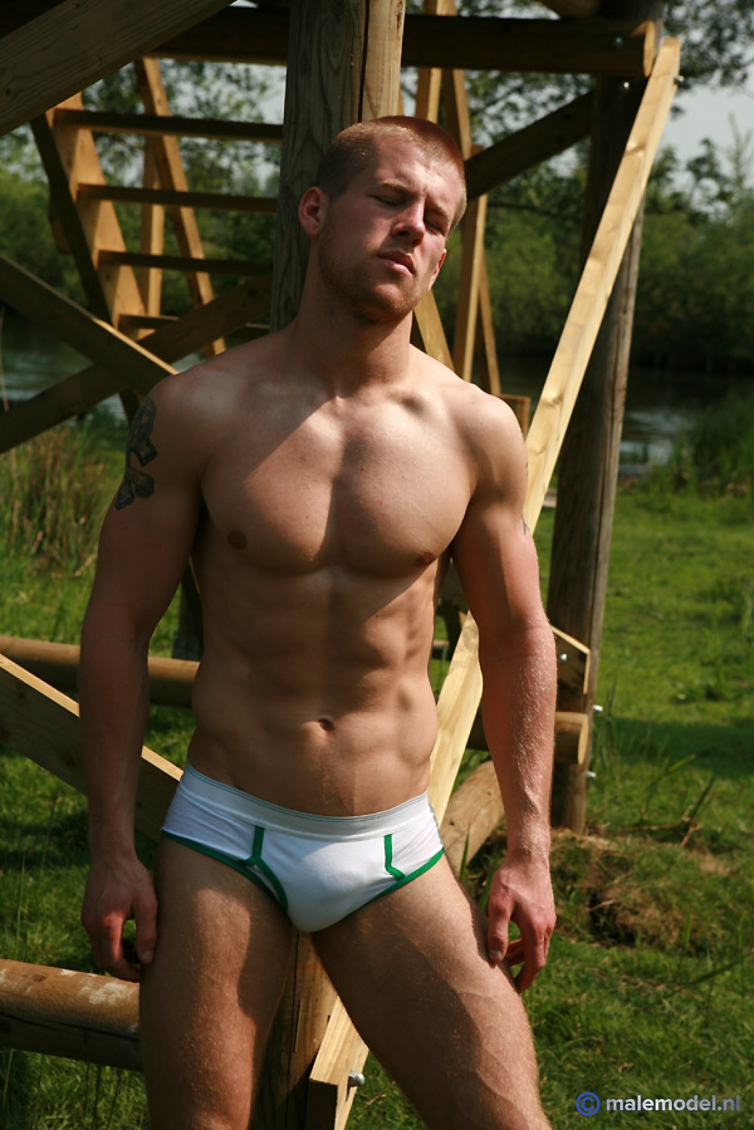 my hot naked cousin pic